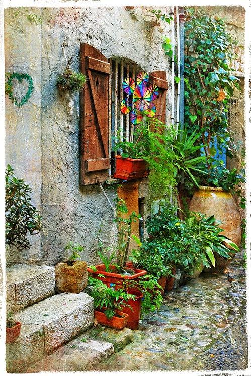 Очаровательный дворик французского городка