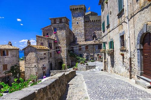 Замок в Больсене - Италия