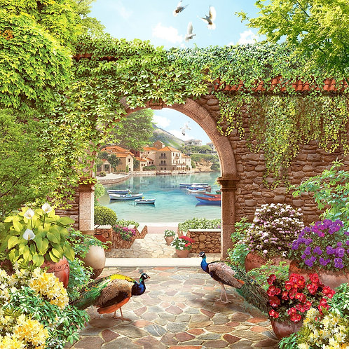 Каменная арка и павлины в райском саду