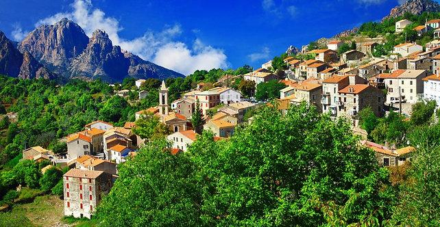 Вид на Эвизу в регионе Корсика - Франция