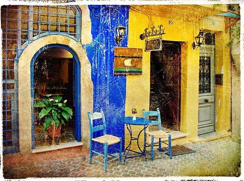Старая улица острова Крит в ретро-стиле - Греция