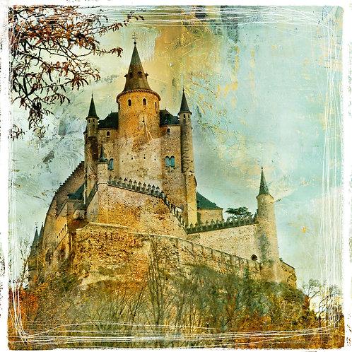 Средневековый замок Алькасар в винтажном стиле. Сеговия, Испания