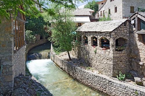 Фотообои. Фрески. Картины. Старый город. Улочка. Канал. Босния. Герцеговина