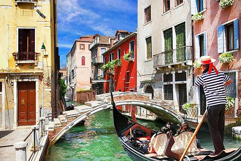 Венецианский красочный солнечный канал