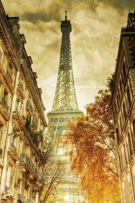 Винтажный вид на Эйфелеву башню в Париже