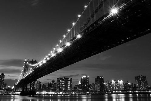 Манхэттенский мост и ночной Манхэттен - Нью-Йорк