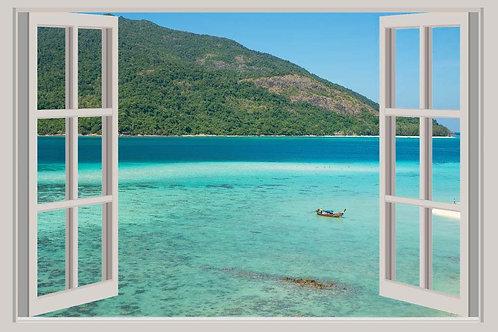 Открытое окно с видом на море в Пхукете - Таиланд