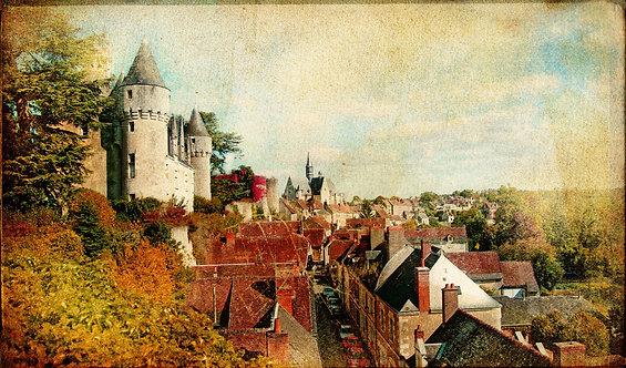 Замки коммуны Монтрезор во Франции в художественном ретро-стиле