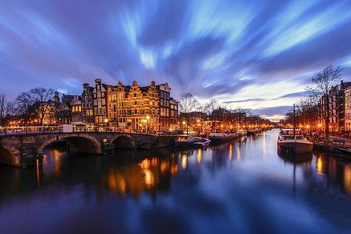 Амстердамский канал в сумерках