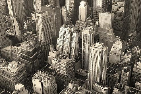 Черно-белый вид сверху на Манхэттен - Нью-Йорк