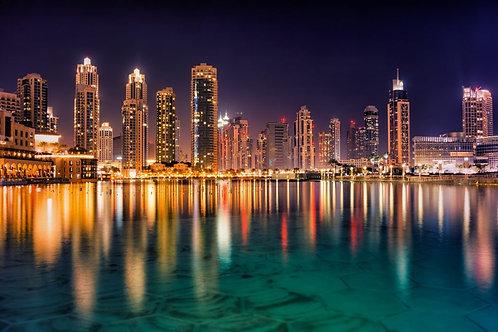 Ночной вид на небоскребы Дубая