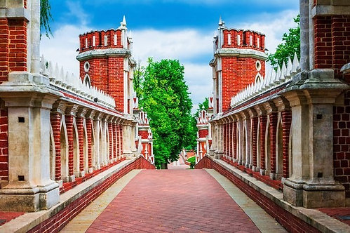 Мост в парке Царицыно в Москве