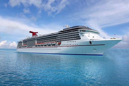 Круизный лайнер в голубом Карибском море