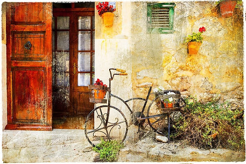 Улочка в городке Вальдемоса с ретро-велосипедом - Испания