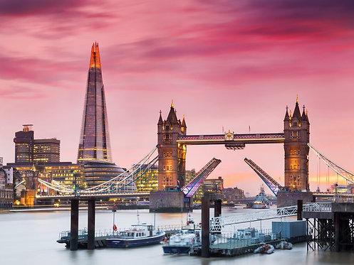 Вид Лондона и Тауэрского моста на закате