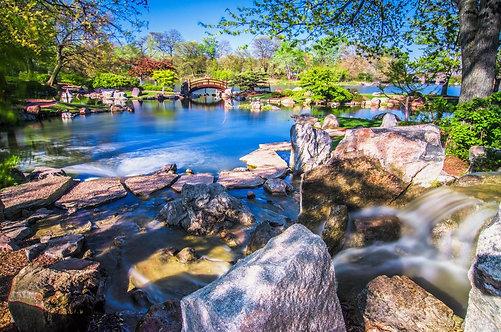 Фотообои. Фрески. Картины. Японский сад. Камни. Озеро. Мостик. Природа. Пейзаж