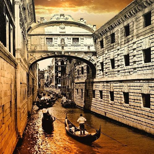 Венеция на закате и мост Вздохов