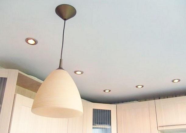stretch-ceiling-kitchen-white-matt-light