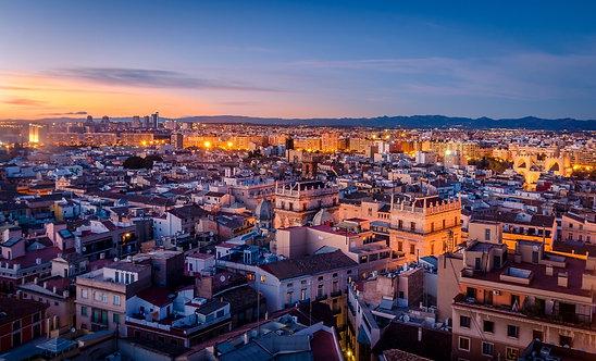 Закат в историческом центре Валенсии