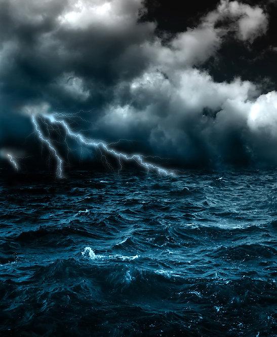 Шторм и молния