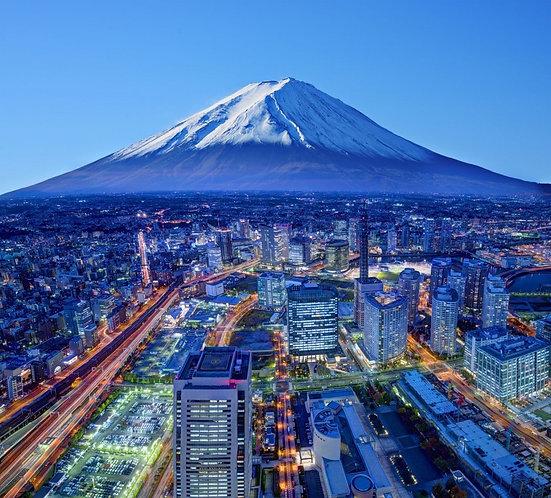 Вид на вулкан Фудзи - Япония