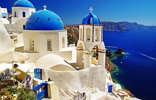 Вид кальдеры с бело-синими церквями острова Санторини