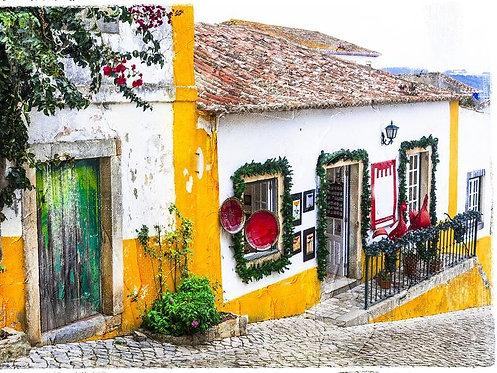 Улочка старого городка Обидуш в Португалии