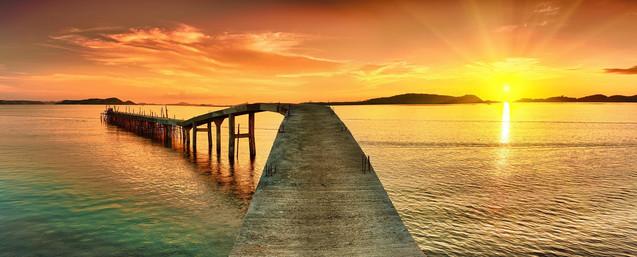 Восход солнца над морским пирсом | #77839873