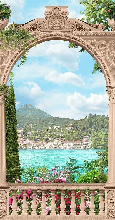 Вид на море с террасы через арку