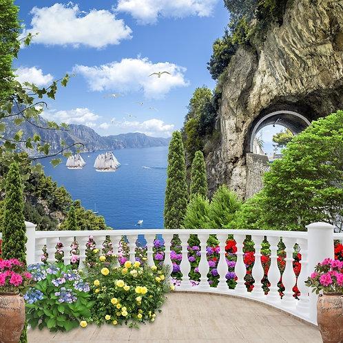 Старый балкон с цветами - вид на парусные корабли