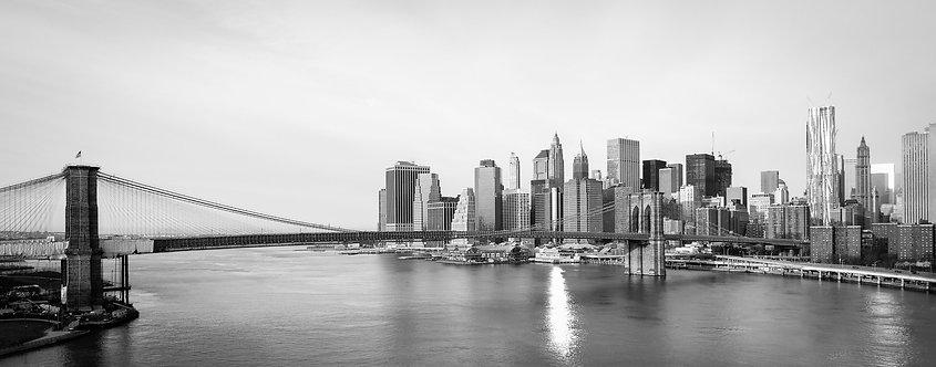 Бруклинский мост и Манхэттен ранним солнечным утром - Нью-Йорк
