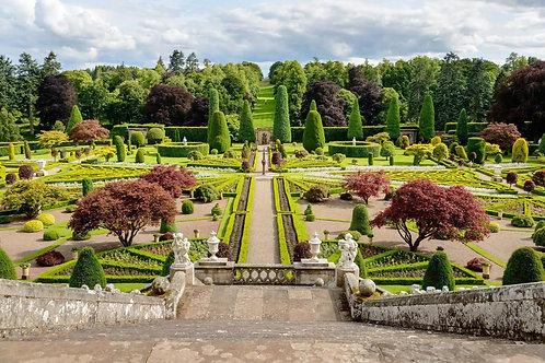 Сады замка Драммонд Касл. Шотландия
