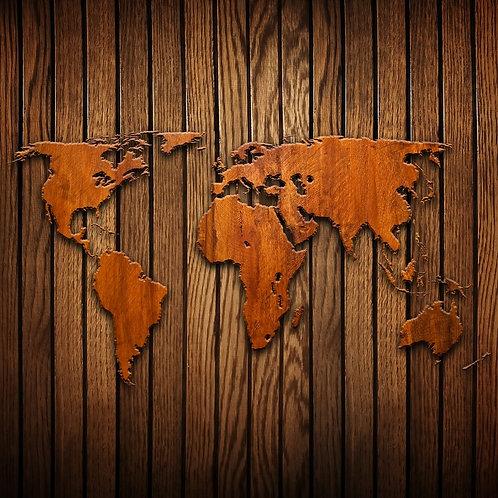 Карта мира с деревянными силуэтами континентов