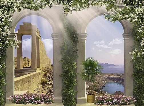 Древние колонны у моря