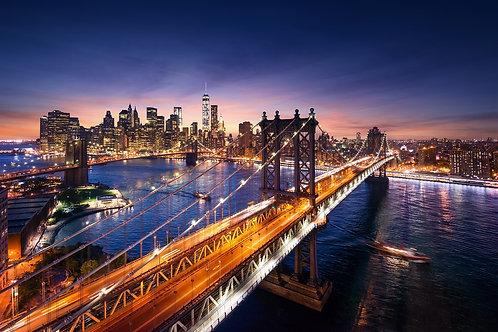 Красивый закат над Манхэттеном и Бруклинским мостом - Нью-Йорк