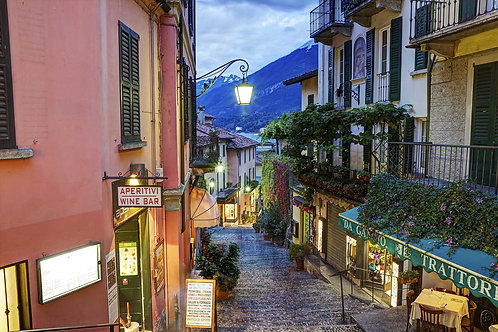 Вид на улочку в Белладжо - Италия