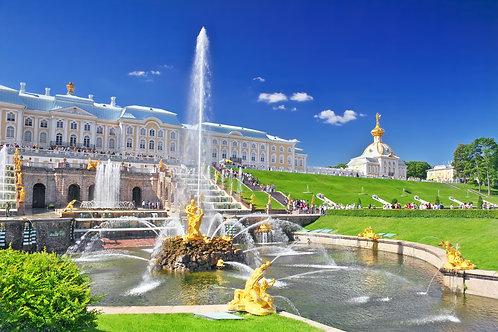 Большой петергофский дворец и фонтан Большой Каскад