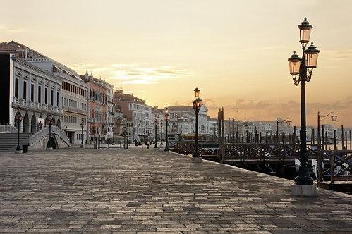 Рива дельи Скьявони в Венеции на рассвете