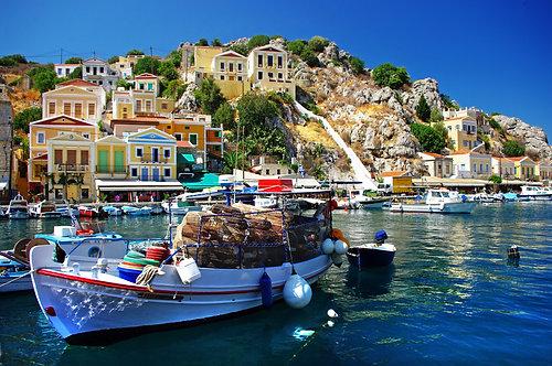 Фотообои. Фрески. Картины. Средиземноморский остров. Лодки. Пристань. Греция