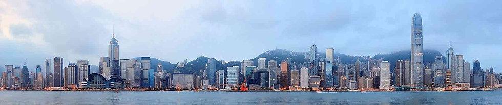 Утренний панорамный вид на бухту Виктория в Гонконге