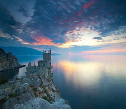 """Замок """"Ласточкино гнездо"""" на закате - Ялта"""