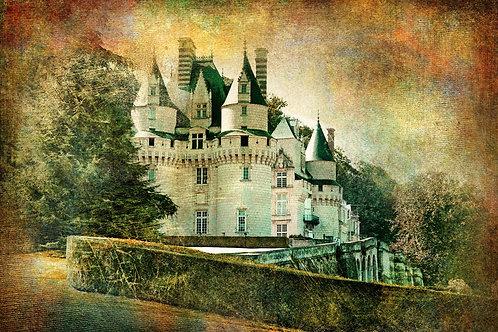 Замок Юссе на реке Эндр в стиле ретро. Долина Луары, Франция