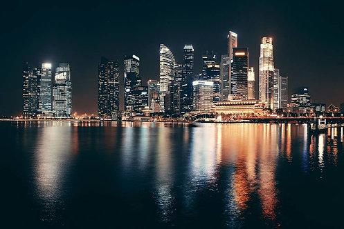 Ночной Сингапур с городскими зданиями
