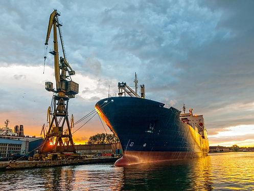 Закат в грузовом порту - Гданьск, Польша
