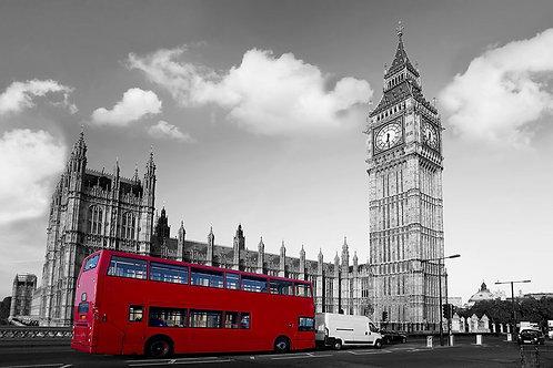 Черно-белый Биг-Бен и красный автобус в Лондоне