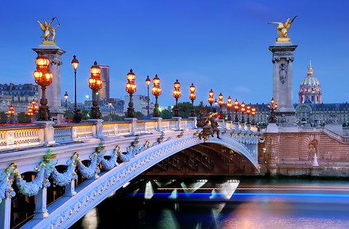 Мост Александра III через реку Сену в Париже