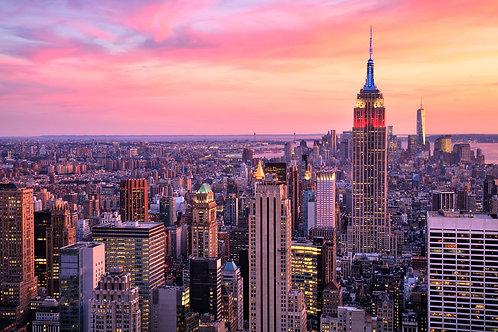 Нью-Йорк и Эмпайр-стейт-билдинг на фоне красивого заката