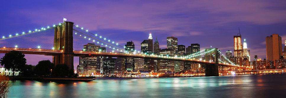 Бруклинский мост и Манхэттен в ночном Нью-Йорке