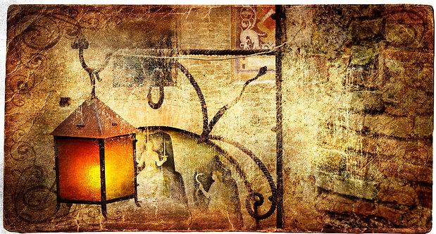 Старый средневековый уличный фонарь