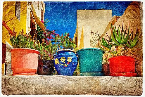 Греческий дворик с цветами